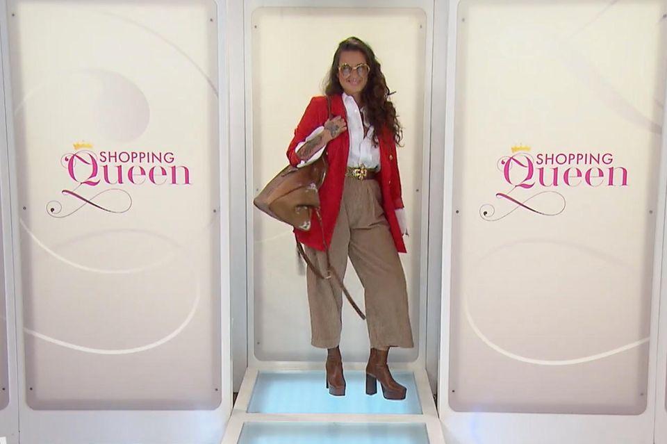 Kandidatin Franzi zeigte sich mutig und lässig zugleich auf dem Shopping-Queen-Laufsteg. Dafür gab es jede Menge Punkte.