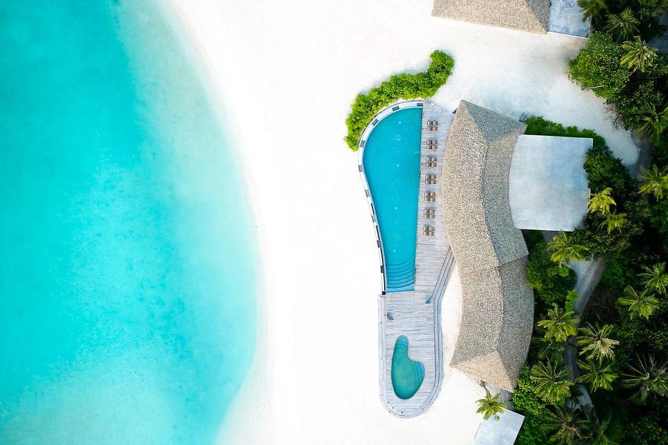 """Ungewöhnlich: Das """"Le Méridien Maldives Resort & Spa"""" hat sich der Mid-Century-Architektur verschrieben."""