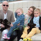 Bei Supermodel Natalia Vodianova galt schon immer das Motto: Nicht ohne meine Kids! So nahm sie ihre Kleinen, hier Tochter Neva und Sohn Victor, früh mit zu Veranstaltungen.