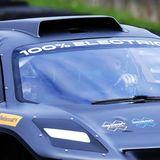 Der Rennwagen, den William steuert, der Extreme E Odyssey 21, fährt nämlich zu 100 Prozent elektrisch.