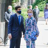 Flowerpower: Alejandra Corsini trägt zur Hochzeit einen coolen Print-Suit, dabei ist Alejandro Muñoz.