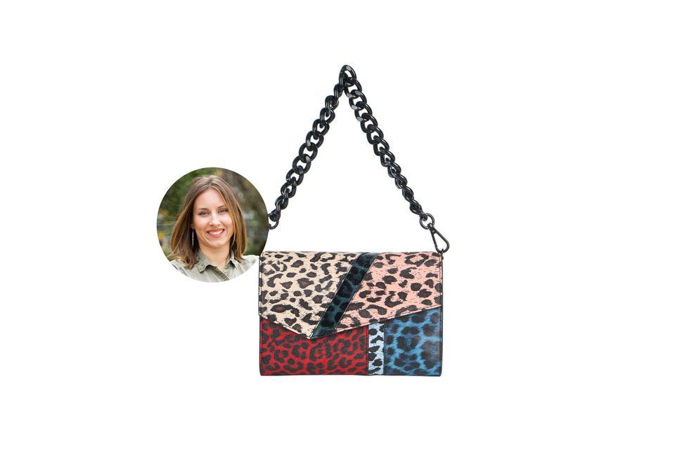 Kollegin Lara Golombek liebt auffällige Taschen