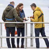 25. Mai 2021  Der zweite Termin für diesen Tag führt Prinz William und Herzogin Catherine auf dieOrbital Marine Power Gezeitenenergie Turbine. Dort freut man sich über den hohen Besuch, doch anstatt mit Whisky anzustoßen, wird dieser anlässlich der Einweihung der Turbine direkt über Bord gekippt. Schade, denn William und Kate hätten das flüssige Gold bestimmt gerne probiert.
