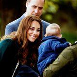 Auch die jüngsten Gäste kommen bei Herzogin Catherine und Prinz William nicht zu kurz. Kate begrüßt einen kleinen Jungenim Park und freut sich bestimmt schon darauf, bald die eigenen Liebsten wieder in die Arme schließen zu können.