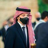 Prinz Hashem ist das vierte und jüngste Kind des jordanischen Königspaares. Zum Ehrentag seines Landes trägt er eine Kufiya. Die arabische Kopfbedeckung ist nicht nur ein praktisches Accessoire, sondern einSymbol kultureller Identität.