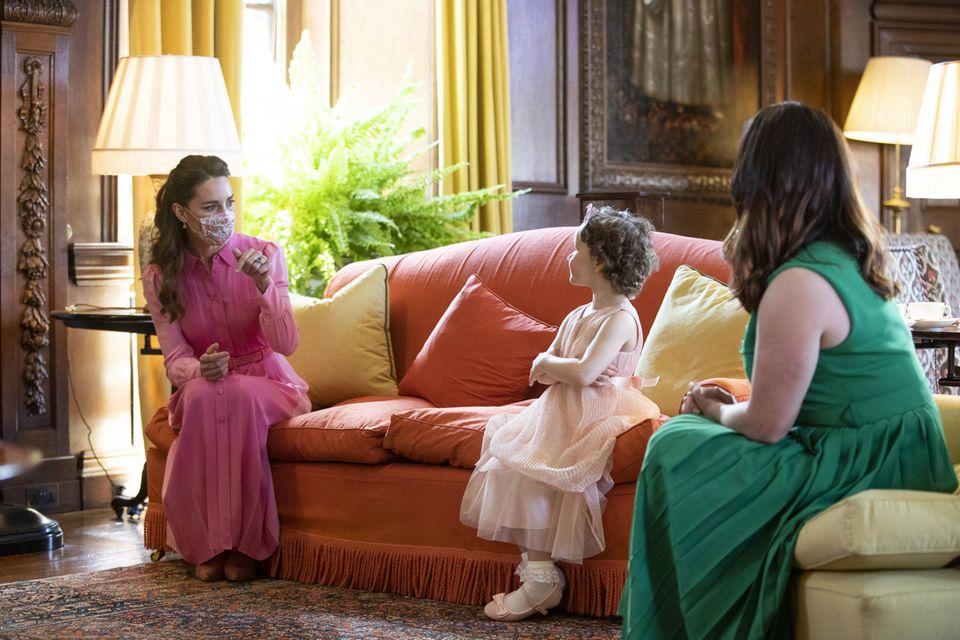 Herzogin Catherine lernt die kleine Mila und ihre Mutter endlich persönlich kennen.