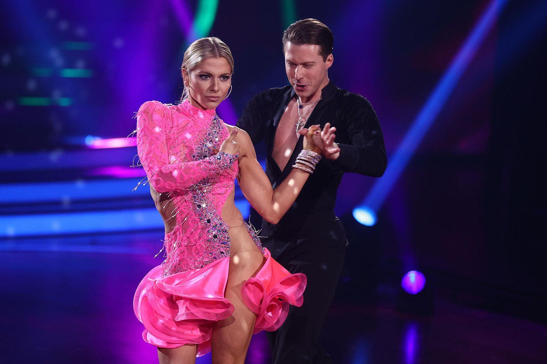 """Valentina Pahde und Valentin Lusin bei """"Let's Dance"""""""