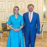 """1. Juni 2021  Am Abend überreichen Königin Máxima und König Willem-Alexander die Preise der diesjährigen """"Appeltjes van Oranje 2021"""" Verleihung in Den Haag. Das Königspaar empfängt die geladenen Gäste gewohnt strahlend auf Schloss Noordeinde."""