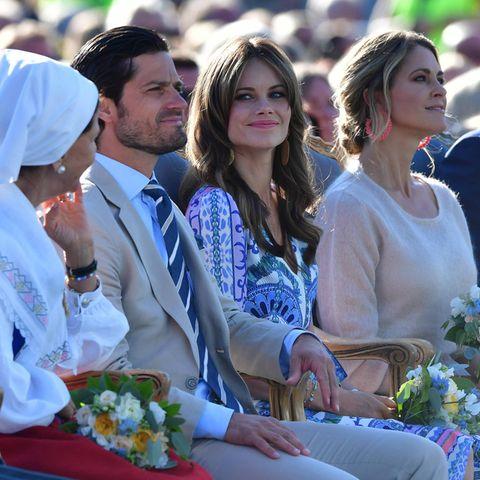Die schwedischen Royals stecken in der Umfragekrise. Königin Silvia, Prinz Carl Philip, Prinzessin Sofia und Prinzessin Madeleine (v.l.n.r.) sowie der angeheiratete Chris O'Neill schneiden in einem neuen Meinungsbild schlecht ab.