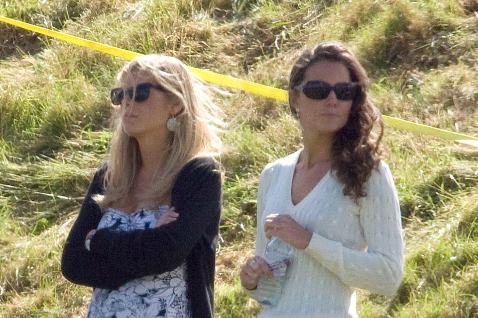 Chelsy Davy und Kate Middleton, hier abgelichtet 2006 am Rande eines Polo-Spiels ihrer Freunde Prinz Harry und Prinz William, waren angeblich nicht auf einer Wellenlänge.
