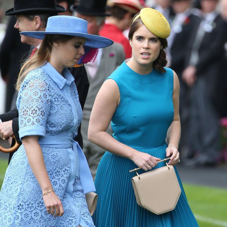 Prinzessin Beatrice (r.) undPrinzessin Eugenie (l.)