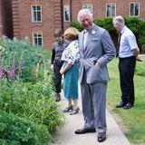 Als Nächstes schaut Prinz Charles sich den Botanischen Garten der Universität an. Dieser blüht zur Zeit besonders üppig und ist schon aus diesem Grund einen Besuch wert.
