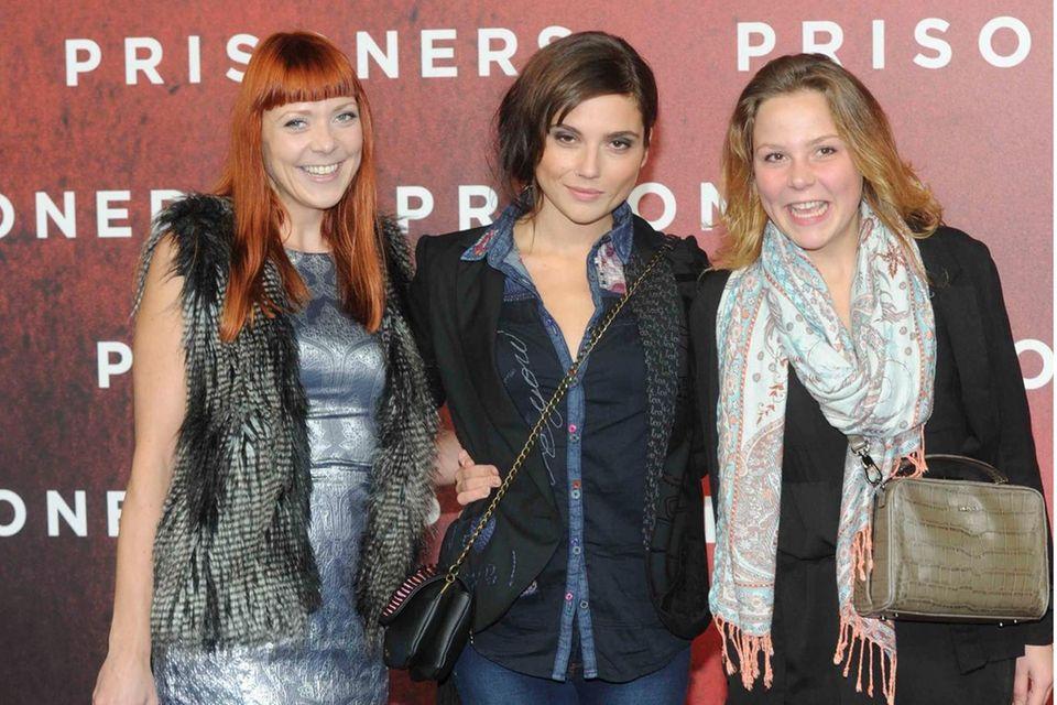 Ramona Dempsey, Linda Marlen Runge und Franziska van der Heide