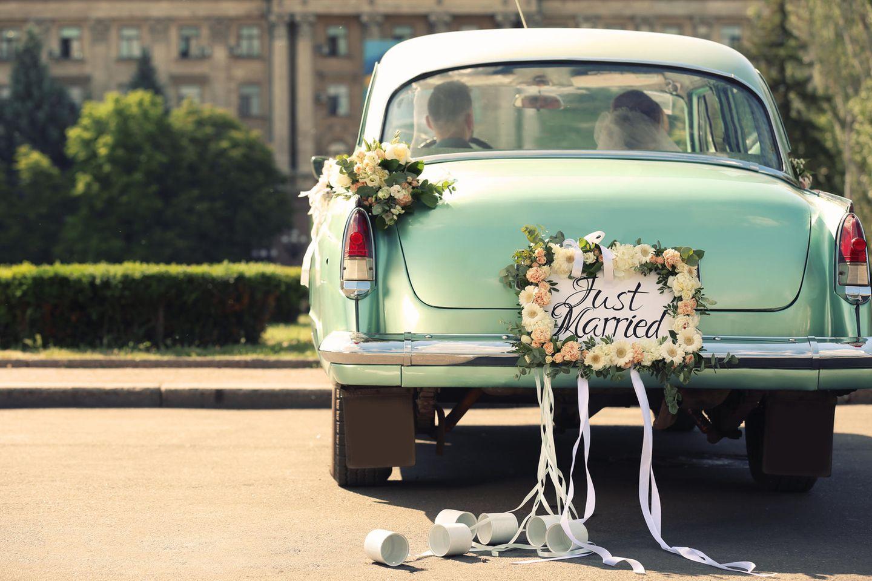Hochzeit schmücken auto Autoschmuck für