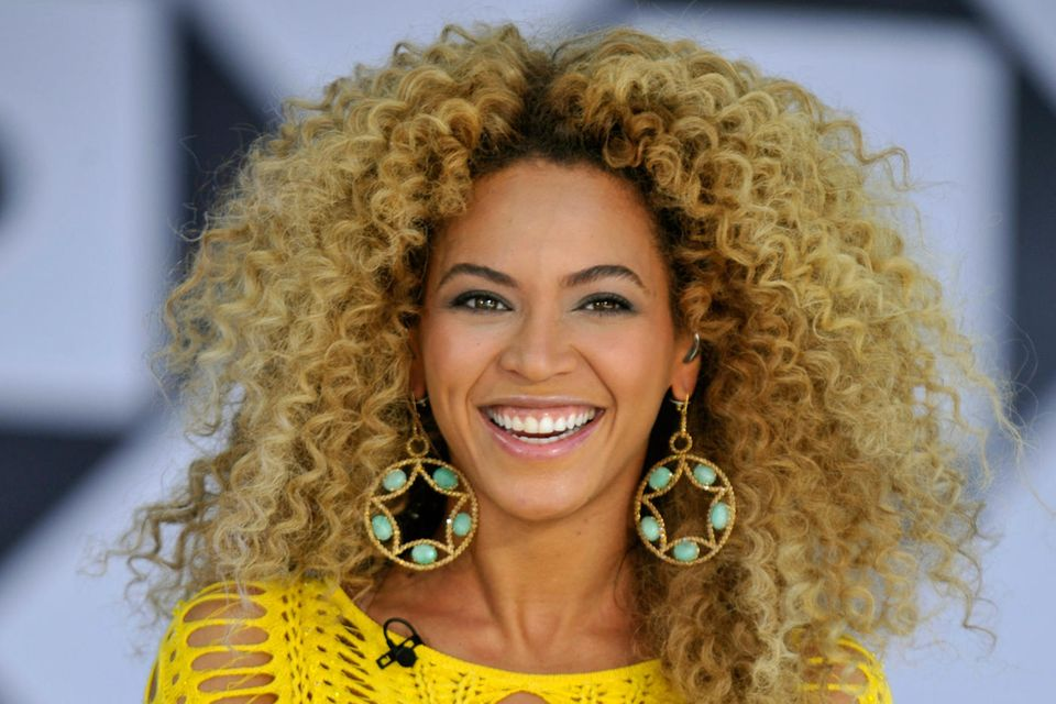 Beyonce with Curls