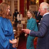 Während ihres Treffens beiderNachhaltigkeits- und G7-Engagement-Veranstaltung imLondonerSt. James's Palace scheinen Prinz Charles und Stella McCartney in ein spannendes Gespräch verwickelt zu sein.