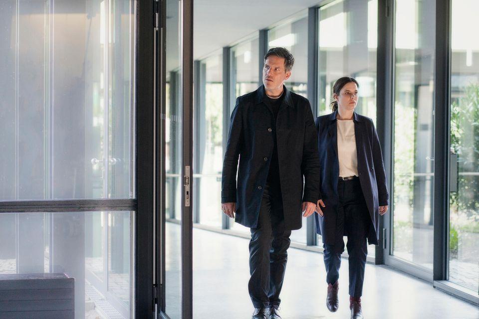 """Tim Bergmann und Annika Kuhl in""""Muttertag –Ein Taunuskrimi"""" auf ZDF"""