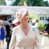 """Fast feenglich erscheint Gräfin Sophie von Wessex in einem sommerlich-eleganten Outfit in Zartrosa zum diesjährigen """"Royal Ascot""""."""