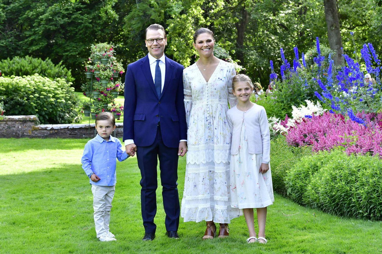Prinzessin Victoria feierte 2020 ihren 43. Geburtstag zwar nicht nur mitPrinz Daniel, Prinzessin Estelle und Prinz Oscar, aber aufgrund der Coronapandemie nicht mit allen Familienmitgliedern.