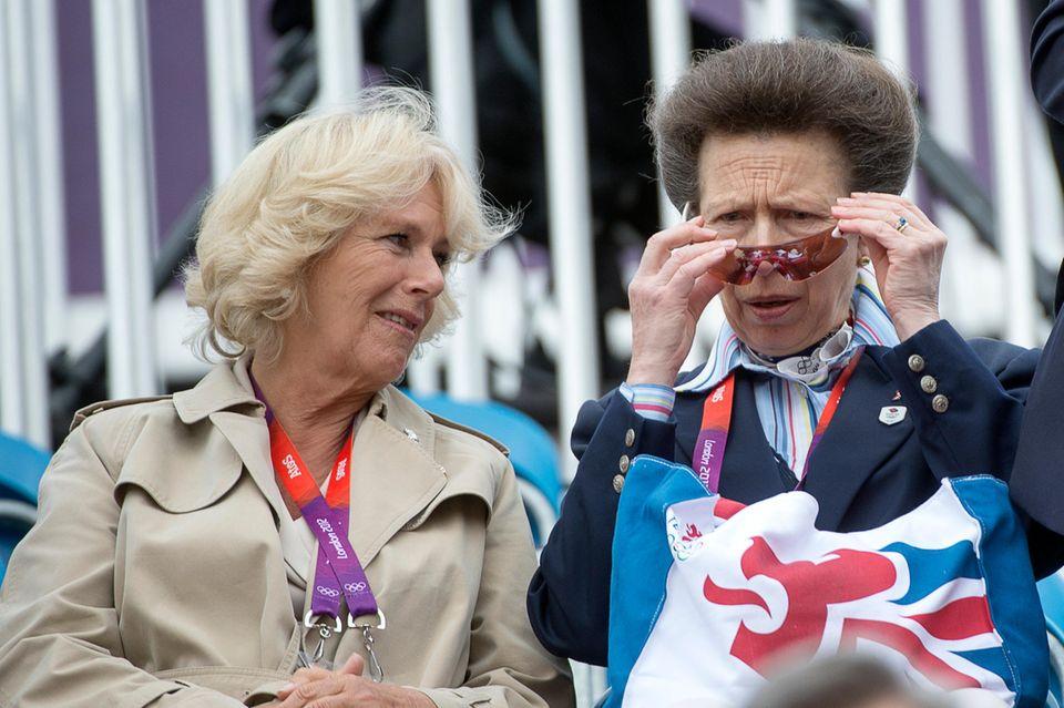 Herzogin Camilla und Prinzessin Anne