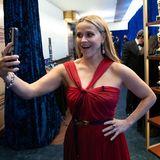 Fotos gibt es von Reese Witherspoon mittlerweile unzählige. Die schönsten macht sie aber immer noch selber, wie hier bei den Oscars 2021. Und damit erfreut der sympathische Hollywoodstar immer wieder ihre vielen Fans.