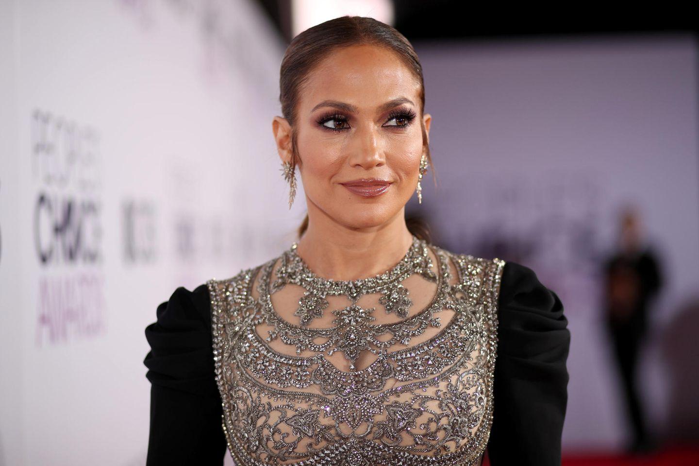Jennifer Lopez: Für diese Schuhe braucht sie einen Waffenschein