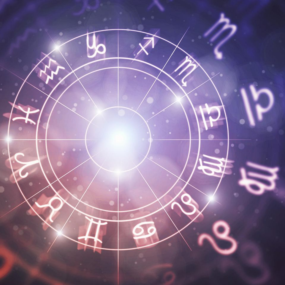 Horoskop: Die Sternzeichen-Symbole in einem Kreis