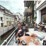 """In der Freiburger Bar """"au contraire"""" macht es sich Moderator Jochen Schropp nach Feierabend mit einem Gläschen Margarita so richtig gemütlich. Mit dem kultigen Sommer-Drink kann man an einem lauen Sommerabend aber auch nichts falsch machen."""