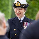 """26. Juni 2021  In Uniform und einem Lächeln auf den Lippen erscheint Prinzessin Anne auf dem """"National Memorial Arboretum"""", um den Tag der Streitkräfte in Großbritannien zu begehen. Die Feierlichkeiten zum""""Armed Forces Day"""" finden jährlich an der Gedenkstätte inAlrewas, Staffordshire, statt,um an den Dienst von Männern und Frauen in den britischen Streitkräften zu erinnern."""