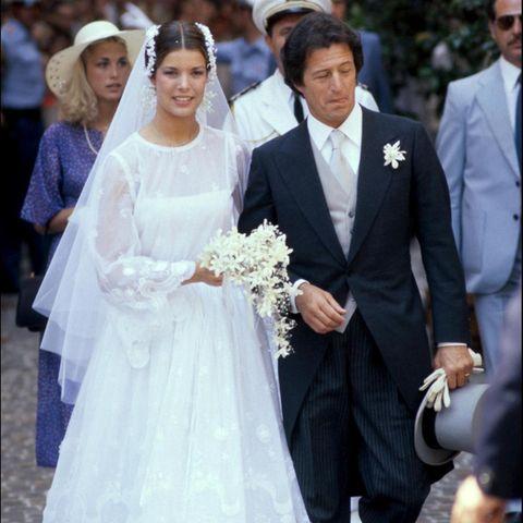 Caroline von Monaco heiratet den Investmentbänker Philippe Junot am 29. Juni 1978.