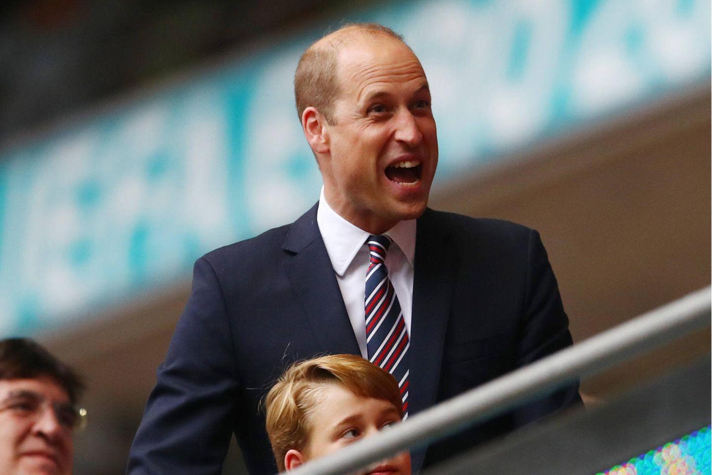 Dieser Gesichtsausdruck spricht Bände: Prinz William ist hocherfreut über den 2:0 Sieg von England.