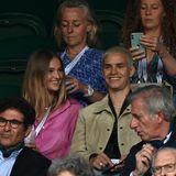 Auch Romeo Beckham und seine Freundin Mia Regan gehören zu den Tennis-Fans des diesjährigen Wimbledon Turniers.