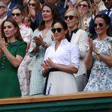 Rund zwei Monate nach der Geburt von Baby Archie besucht Herzogin Meghan am 13. Juli 2019 zusammen mit Herzogin Catherine und deren Schwester Pippa dasDamen-Finale in Wimbledon. MeghansFreundinSerena Williamsspielt gegen Simona Halep – und verliert, wie am Gesichtsausdruck der Herzogin deutlich zu erkennen ist.