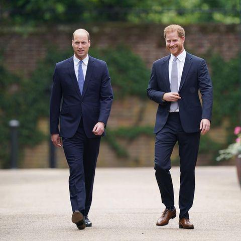 Prinz William und Prinz Harry zeigen sich bestens gelaunt bei der Enthüllung der Diana-Statue.