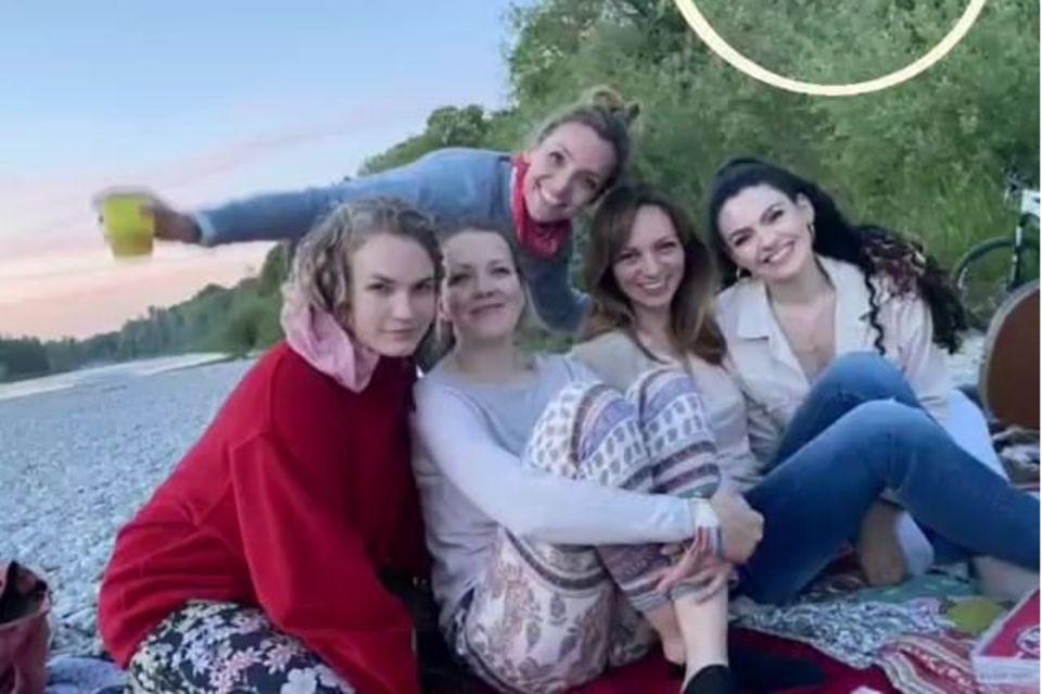 """""""Sturm der Liebe""""-Schauspielerinnen Christina Arends, Katja Rosin, Viola Wedekind, Merve Cakir und Deborah Müller."""