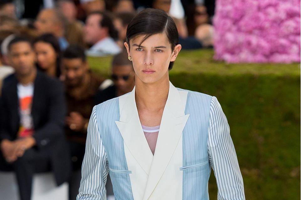 """Prinz Nikolai als Model für """"Dior Homme"""" auf der Pariser Fashion Week am 23. Juni 2018."""
