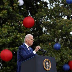 """4. Juli 2021  Während der Feierlichkeiten zum """"Independence Day""""in Washington, hält Präsident Joe Biden eine offizielle Rede. Gefeiert wird dieser besondere Tag mit einem großen BBQ und Feuerwerk am Abend."""