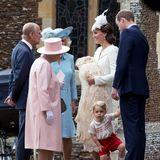 Die Stimmung bei der Queen, ihrem Ehemann Prinz Philip (†), Herzogin Camilla, Mama Catherine und Papa William anlässlich von Charlotte Taufe ist bestens. Und George hält besonders seinen Vater zusätzlich auf Trab.