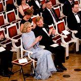 Applaus für das Sinfonieorchester! König Willem-Alexander hat trotz der tollen Vorstellung wieder nur Augen für seine hübsche Máxima.