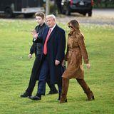 Noch vor knapp neun Monaten sahman Barron Trump mit seinen Eltern Donald und Melania das Weiße Haus verlassen. Schon damals war man erstaunt, wie groß der Teenager geworden ist. Doch nun hat er noch einmal einen ganz schönen Sprung gemacht ...