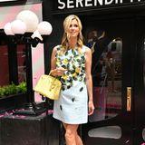 Bei einer Restaurant-Eröffnung erscheint Nicky Hilton im fröhlichen Kleid mit Zitronen-Print von Oscar de la Renta. Ob sie sich da von zwei ganz besonderen Frauen hat inspirieren lassen, die ebenfalls auf Kleider aus der Kollektion setzten?