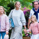 11. Juli 2021  Prinzessin Madeleine genießt den Sommer mit ihrer Familie in Schweden in vollen Zügen. Heute ist sie zusammen mit Prinzessin Leonore, PrinzessinEstelle und EhemannChris O´Neill zu Gast bei einem Open Air Konzertauf Schloss Solliden. Besonders die beiden Cousinen freuen sich auf einen unterhaltsamen Abend.