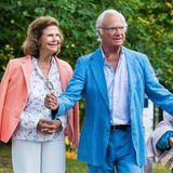 Auch Victorias Eltern, Königin Silvia und König Carl Gustaf, haben sich für die Veranstaltung sommerlich-schick herausgeputzt.