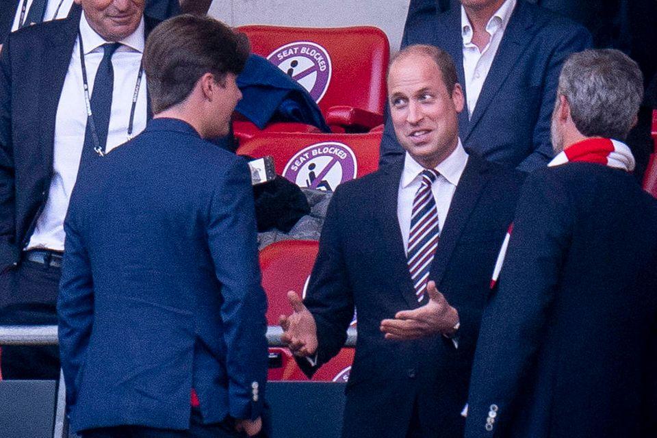 Endlich ist es soweit! Prinz Christian trifft am 7. Juli beim EM-Spiel zwischen England und Dänemark zum ersten Mal auf Prinz William.