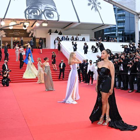 """Bei der Cannes-Premiere des Films """"France"""" reihte sich wieder ein Glamour-Look an den nächsten."""