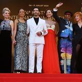 Ein bunte Jury verabschiedet sich aus Cannes, allen voran der diesjährige Präsident Spike Lee, der mit vielen auffälligen Looks in den letzten Tagen zu sehen war.