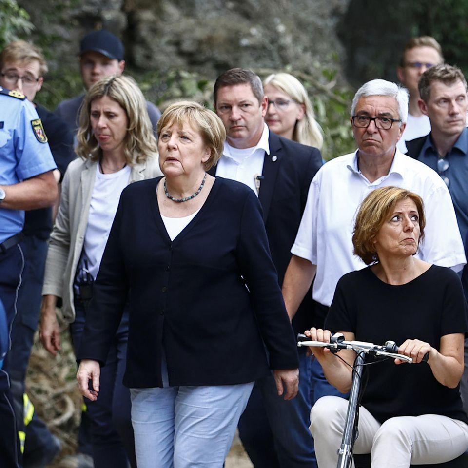 BundeskanzlerinAngela Merkel(CDU) besucht Flutgebiete