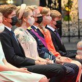 """Die belgische Königsfamilie nimmt beim traditionellen """"Te Deum""""-Gottesdienst in der Kirche Platz, um die Feierlichkeiten zum diesjährigen Nationalfeiertag zu eröffnen."""