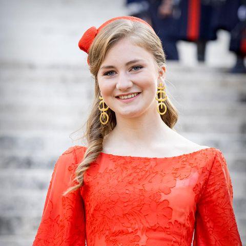 Elisabeth von Belgien: Stylischer Auftritt in Signalfarbe