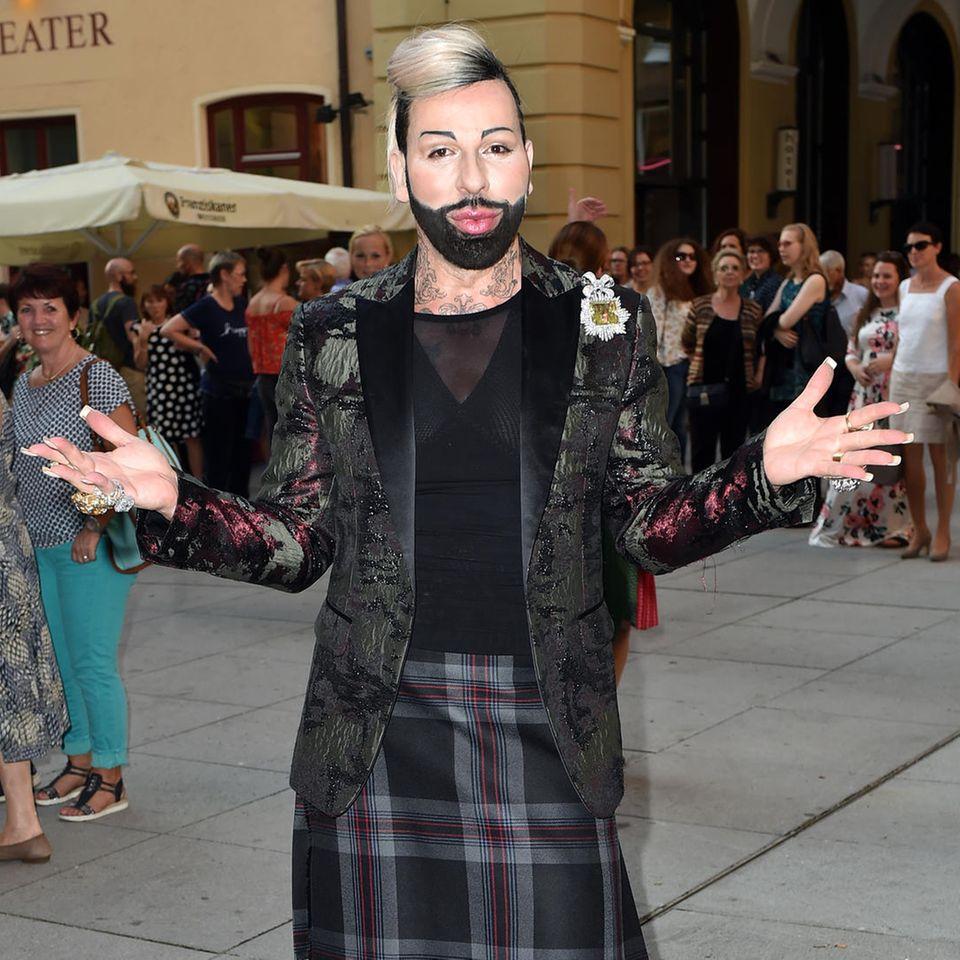 Der Designer präsentiert seine Kollektion in München